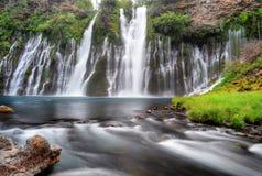 McArthur Burney падает, Burney, Калифорния, Соединенные Штаты Стоковое фото RF