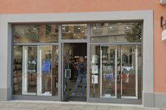 McArthurGlen-Designer Outlet Barberino in Italien Lizenzfreie Stockfotografie