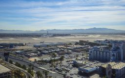 McCarran Lotniskowy Las Vegas 12, 2017 - widok z lotu ptaka - LAS VEGAS, NEVADA, PAŹDZIERNIK - zdjęcia stock