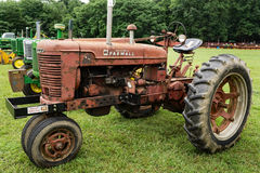 Free McCormick Farmall Antique Tractor Stock Photography - 94572782