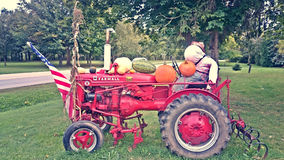 McCormick Super Farmall een Tractor Royalty-vrije Stock Foto's