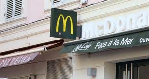 McDonald assina dentro França vídeos de arquivo
