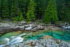 McDonald-Nebenfluss im Gletscher-Nationalpark Stockfotografie
