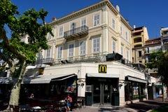 McDonald ` s i Cannes Frankrike Royaltyfria Bilder