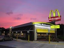 McDonald's solnedgång Arkivfoton