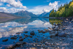McDonald sjö, glaciärnationalpark, Montana, USA Royaltyfria Bilder