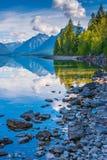 McDonald sjö, glaciärnationalpark, Montana, USA Arkivfoton