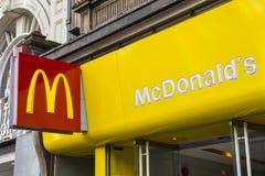 McDonalds på den Oxford gatan i London Royaltyfri Foto
