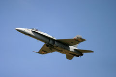 McDonnell Douglas F/A-18 Hornet Φ 18 αεριωθούμενος μαχητής Στοκ φωτογραφία με δικαίωμα ελεύθερης χρήσης