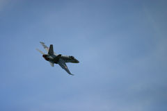 McDonnell Douglas F/A-18 Hornet Φ 18 αεριωθούμενος μαχητής Στοκ φωτογραφίες με δικαίωμα ελεύθερης χρήσης