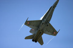 McDonnell Douglas F/A-18 Hornet Φ 18 αεριωθούμενος μαχητής Στοκ εικόνες με δικαίωμα ελεύθερης χρήσης