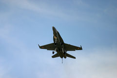McDonnell Douglas F/A-18 Hornet Φ 18 αεριωθούμενος μαχητής Στοκ Φωτογραφίες