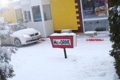 McDrive in der Winterzeit Stockbild