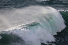 Mächtige Wellen von Atlantik, Ponta de Sagres, P Lizenzfreies Stockbild