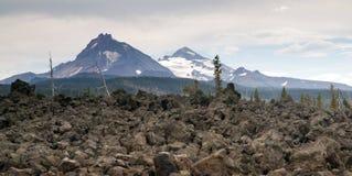 Mckenzie通行证三姐妹喀斯喀特山脉古老熔岩荒野 免版税图库摄影