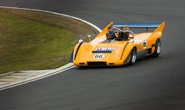 McLaren Können-Sind laufendes Auto mit Drehzahl Lizenzfreie Stockbilder
