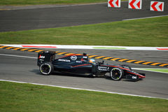 McLaren MP4-30 F1 door Fernando Alonso in Monza wordt gedreven die Royalty-vrije Stock Foto's