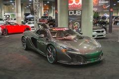 McLaren P1 que adapta en la exhibición Foto de archivo libre de regalías