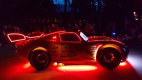 McQueen-Auto Nightview Lizenzfreie Stockfotos