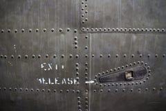 MCU-Detail des Nietmusters auf gefangengenommenen U.S.A.F.-Flugzeugen in Vietnam Lizenzfreie Stockfotos