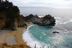 McWay nedgångar, stora Sur, Kalifornien, USA Royaltyfria Foton