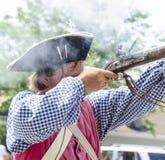 Mężczyzna ostrzału muszkiet Obrazy Royalty Free