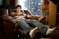 mężczyzna tv dopatrywanie Zdjęcie Stock