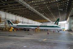 意大利航空超级MD 80 图库摄影