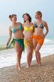 Mädchen in dem Meer Stockbild