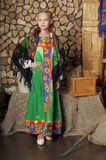 Mädchen im russischen Kostüm Lizenzfreie Stockfotos