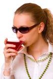 Mädchen mit Getränk Stockbild