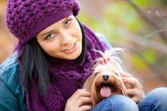 Mädchen mit Hund Lizenzfreies Stockfoto