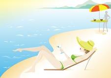 Mädchen, Sommerberufung auf dem Strand Stockfotos