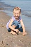 Mädchen am Strand Lizenzfreie Stockfotografie