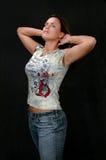 Mdel avec des bras augmentés Photographie stock libre de droits
