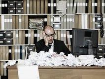 Müder Geschäftsmann Stockfoto