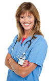 Médico de sexo femenino envejecido centro con los brazos plegables Imágenes de archivo libres de regalías