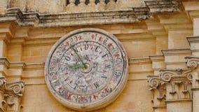Mdina - ΜΑΛΤΑ Αστρονομικό ρολόι του καθεδρικού ναού του ST Paul ` s στην πόλη Mdina Το Mdina είναι populer τόπος προορισμού τουρι Στοκ Εικόνα