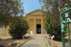 Mdina Rabat, Malta - Augusti 04 2016: Domvs Romana museumfasad Dagsikten av ingången till romaren fördärvar aristokratisk husmuse royaltyfria foton