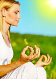 Méditation de yoga extérieure Photos stock