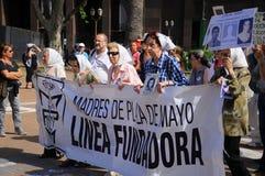Mödrarna av Plazaet de Mayo Royaltyfri Bild