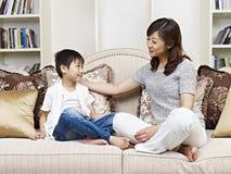 Mãe e filho Imagem de Stock