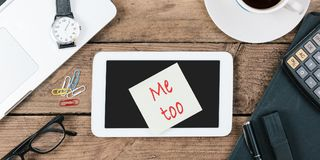 Free Me Too Hashtag Paper Note On Office Desk Stock Images - 102548004
