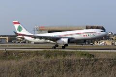 MEA Airbus 330 landning Arkivfoton