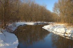 Meandrar com uma manhã do ` s do inverno Imagem de Stock Royalty Free