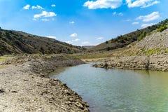 Meandro do rio no vale, Ozburun, Bolvadin, Afyonkarahisar, imagem de stock