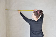 Measurement with a tape measure Royalty Free Stock Photography
