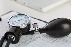 Measurer πίεσης του αίματος Στοκ φωτογραφία με δικαίωμα ελεύθερης χρήσης