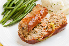 Meat loaf with mashed potatoes and green beans Royalty Free Stock Photos