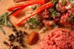 Meat med grönsaker royaltyfria bilder